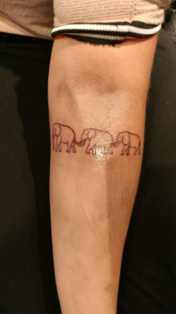 hudpleje diamantslibning microdermabrasion piercing tattoo tatovering tattoostudio skønhedssalon mesoterapi tatoveringsfjernelse laserbehandling laserremove piercingsmykker dybderens frugtsyrebehandling lashlift Girlz inc girlz ink